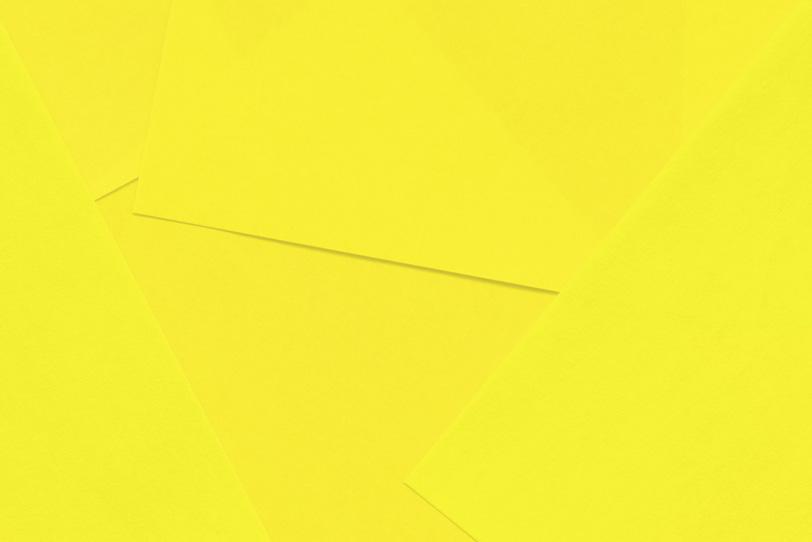シンプルな黄色の無地壁紙