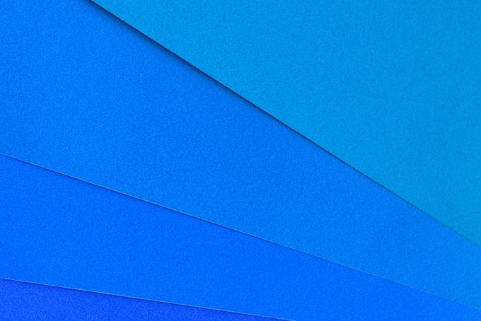 青色の夏らしいシンプルな背景画像(おしゃれ無地背景のフリー写真)