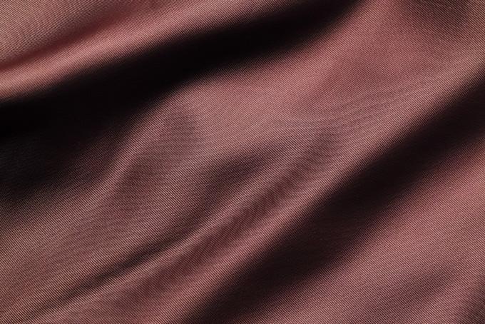 秋色のサラサラとした布地