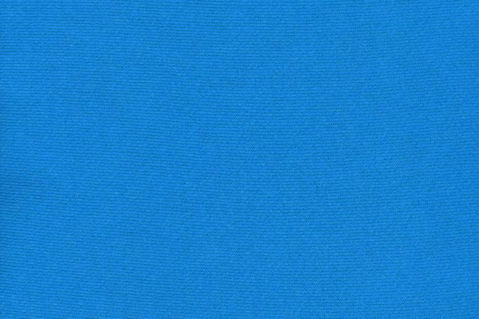 鮮やかなブルーの綿のスウェット生地