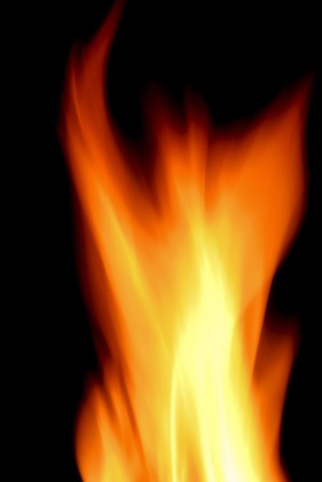 激烈に燃え上がる猛火