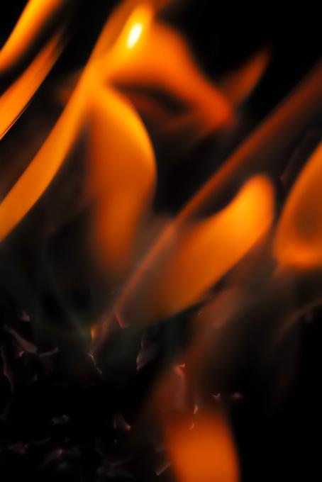 火 黒背景(火 テクスチャの画像)