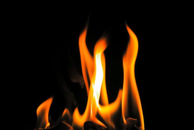燃える炎(炎の画像)