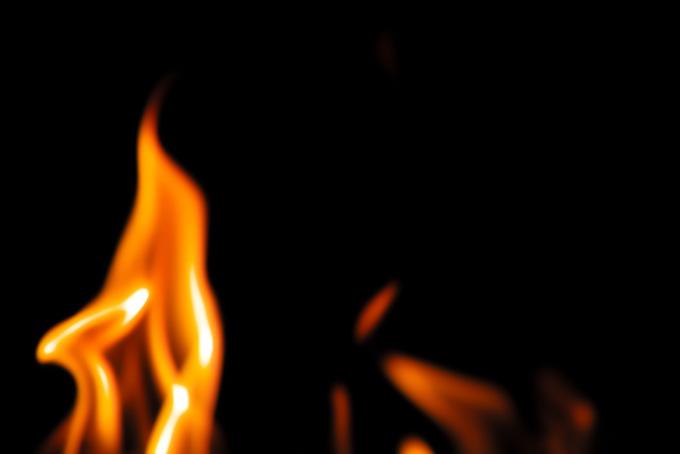 火 黒背景