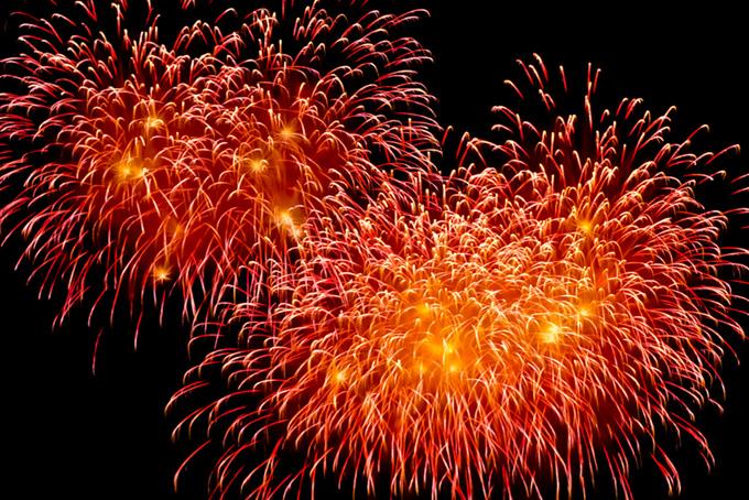 「花火 素材」錦変化菊花火の写真、夏の打ち上げ花火の背景、菊玉花火が彩る花火大会の画像など、高画質&高解像度のテクスチャ素材を無料でダウンロード