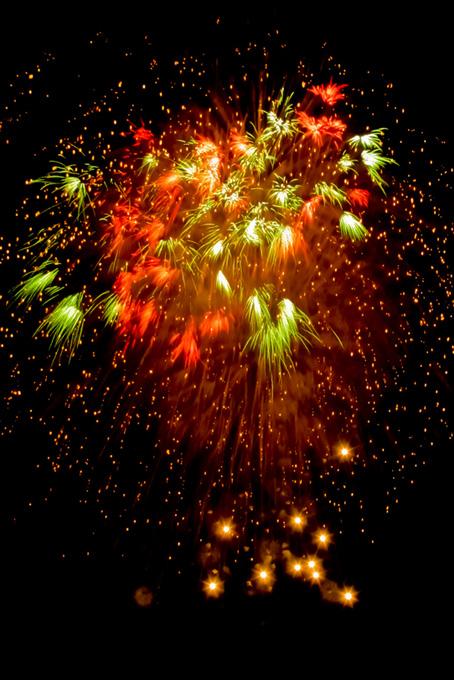 色鮮やかな夏の花火