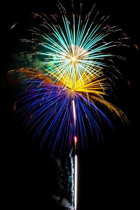 キラキラと輝く花火