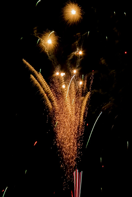 カラフルな光の花火