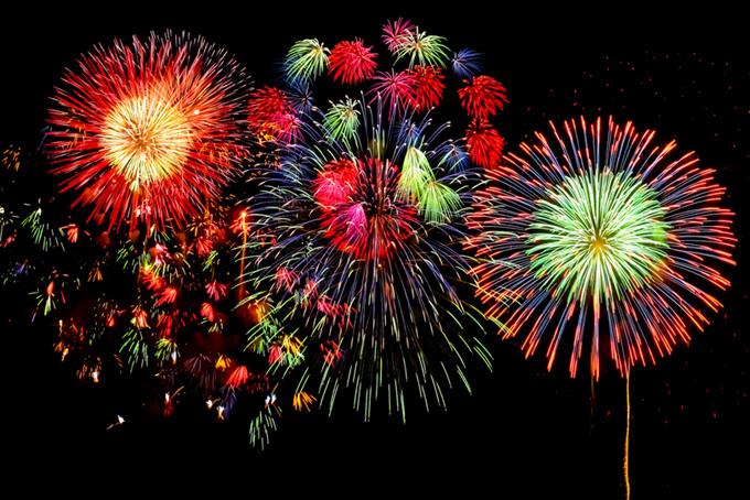 夜空を彩る花火の花火大会