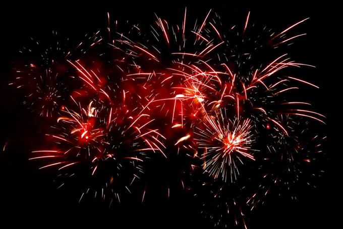 夜空に煌めく花火の花火大会