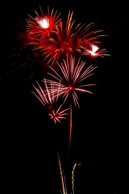 輝く花火と夜空のテクスチャ