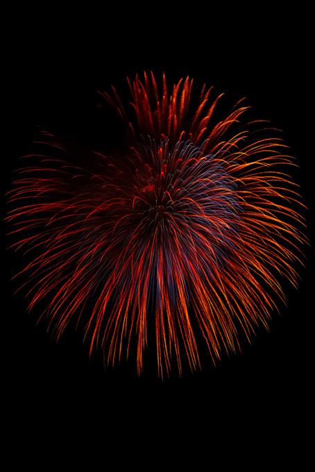 光り輝く大きな花火