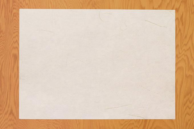 白い和紙と木の板