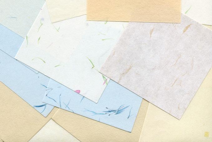 模様の入った淡色系の和紙のテクスチャ