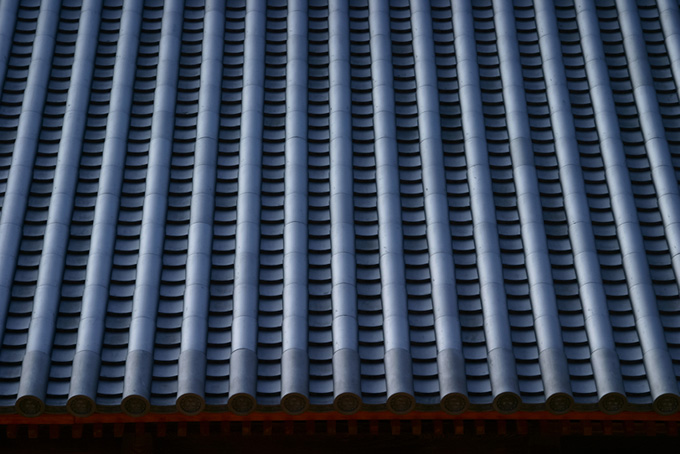 日本建築の立派な瓦屋根