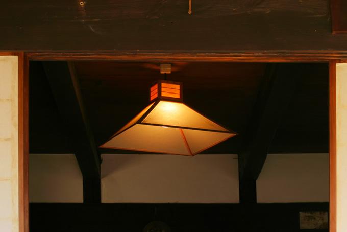 和室に灯る明かり