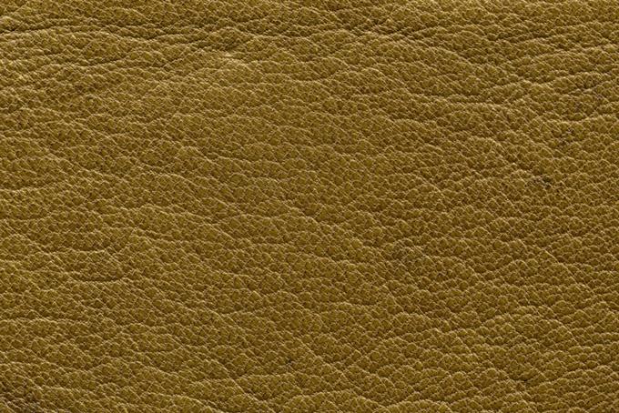 黄土色のレザーの表面