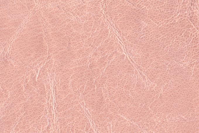 シワの入ったピンクの革