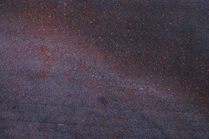 錆に覆われた古い金属の素材(金属 テクスチャのフリー画像)
