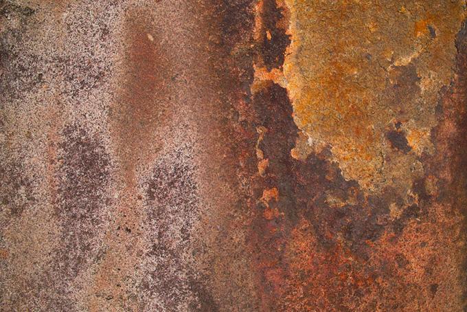 茶色いサビだらけの鉄板のテクスチャ(金属 テクスチャのフリー画像)