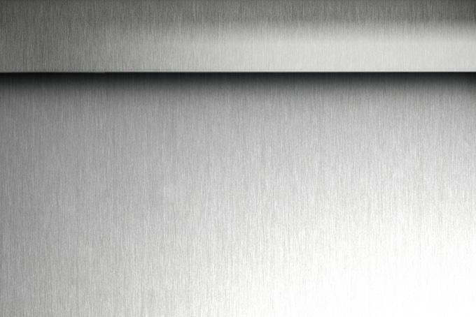 ハードなエッジの金属画像