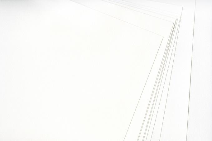 重なった白い水彩紙
