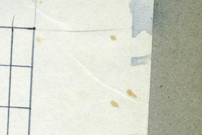 マジックやインクの染みのある紙