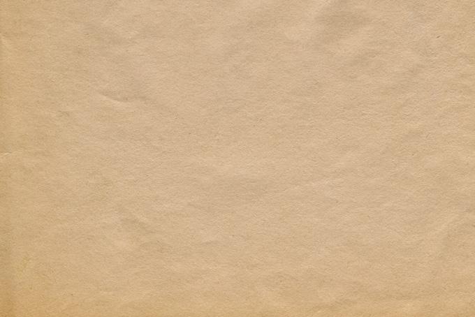 ザラザラとした茶色いクラフト紙