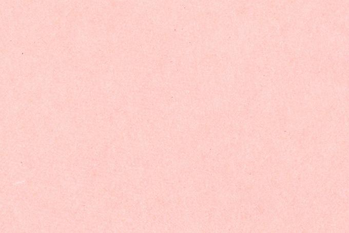 春を感じる桜色の紙