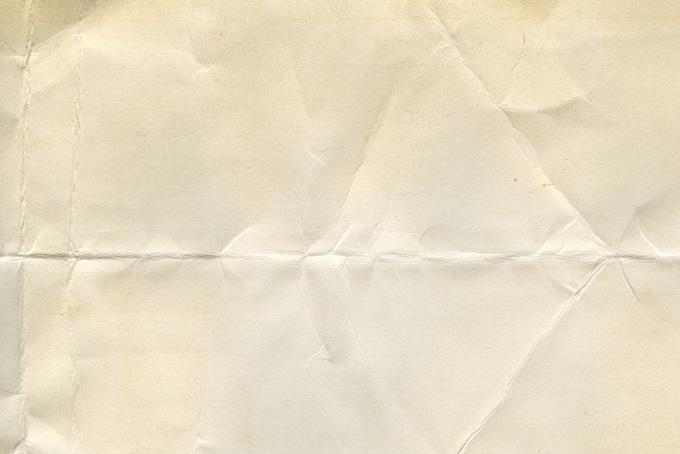 折れ目やシワがある厚手の紙の素材(紙 テクスチャのフリー画像)