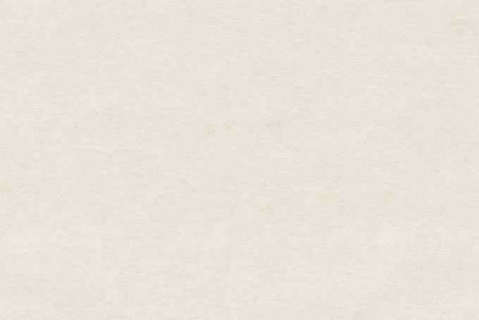 粗い繊維が素材の白い紙