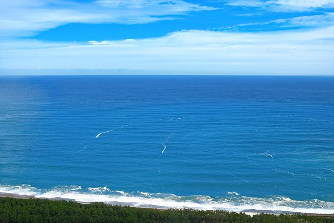 海岸線と水平線