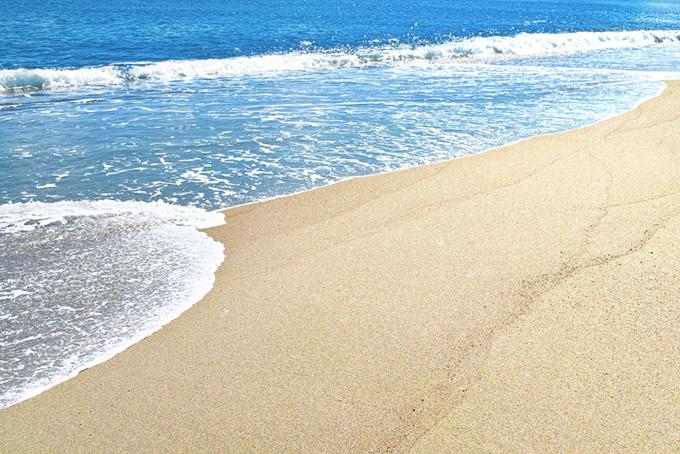 青い海と綺麗な砂浜