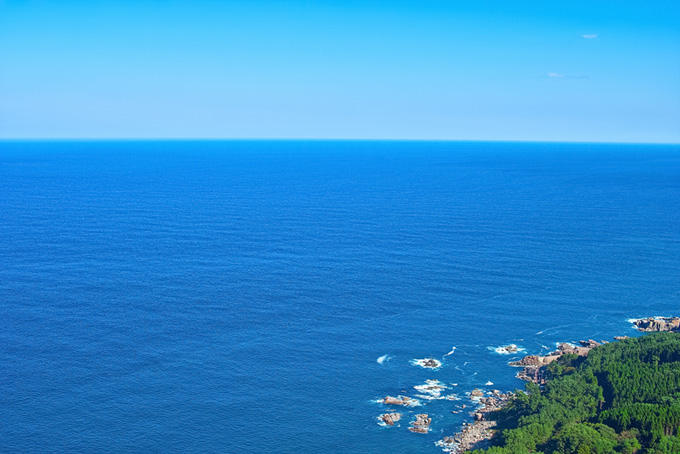 陸の向こうの遥かなる海