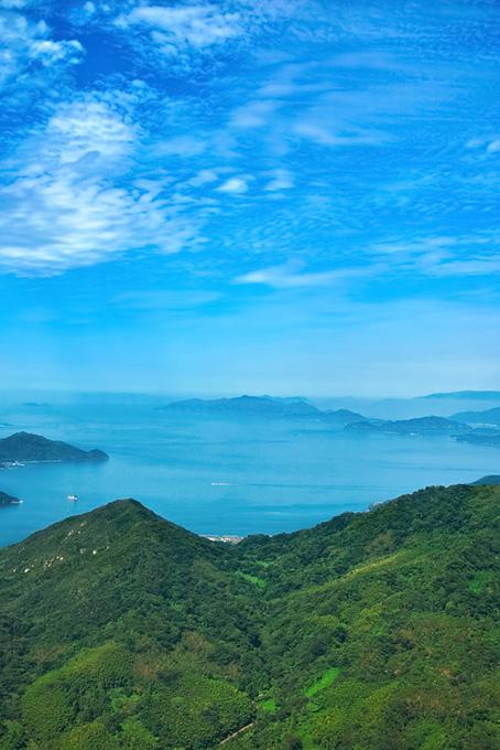 山と海と島の風景(海の画像)