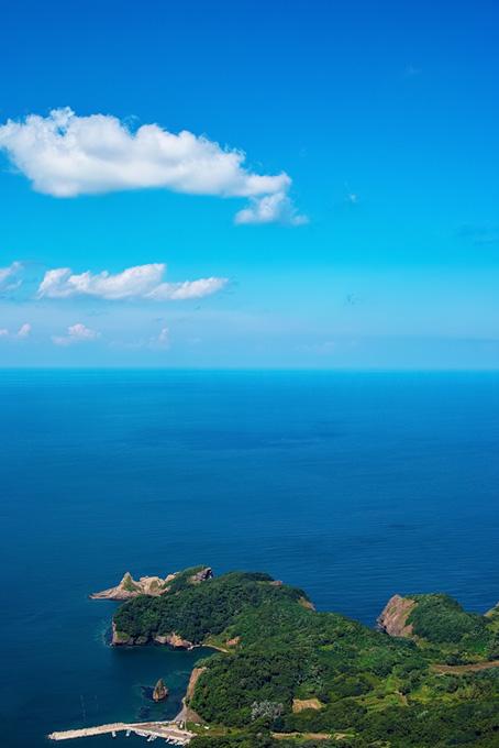 海に突き出す岬の景色(海の画像)