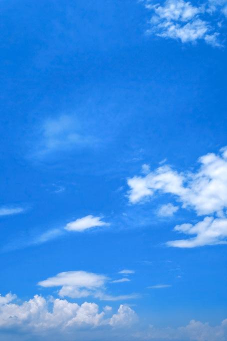 積乱雲と壮大な青空