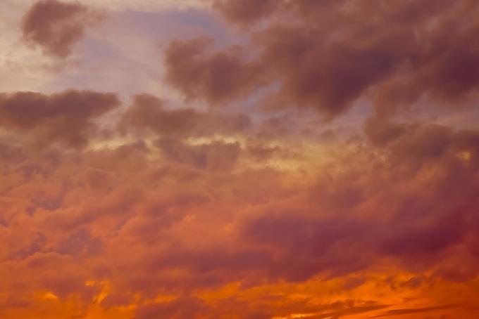 息をのむ素晴らしい夕焼け(夕焼け フリーの画像)