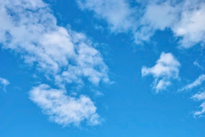 気持ちのいい青空と白雲