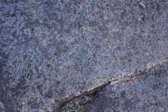 ザラザラとした石の質感
