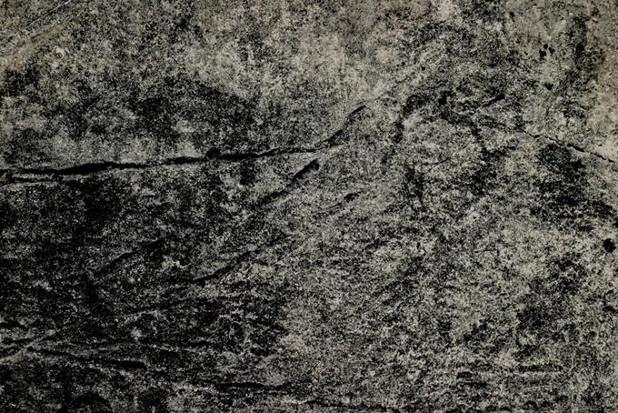 直線の傷がある石の写真(石 テクスチャのフリー画像)