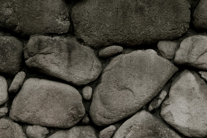 素朴な石の壁