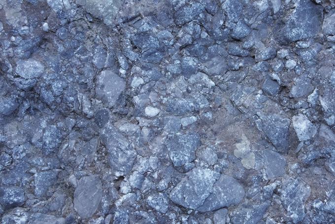 大小の石が固まった岩(石のフリー画像)