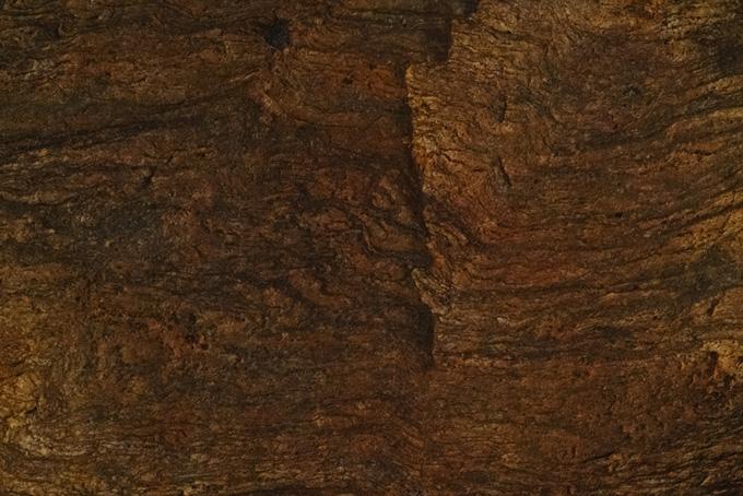 流れるような質感の茶色い岩のテクスチャ