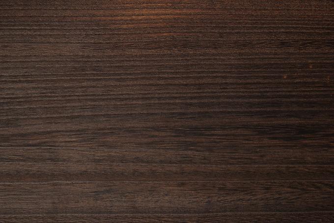 美しい木目の焦茶色の木