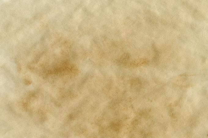 ダメージのある薄茶色の紙