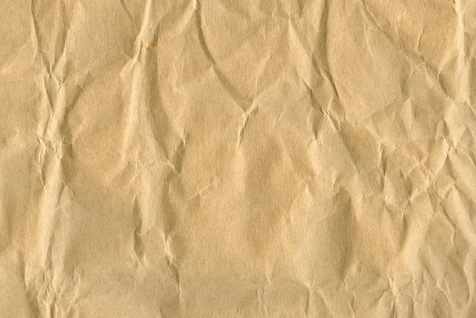 素朴な風合いの茶色い紙