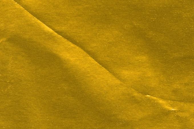 金色の折目の入った紙