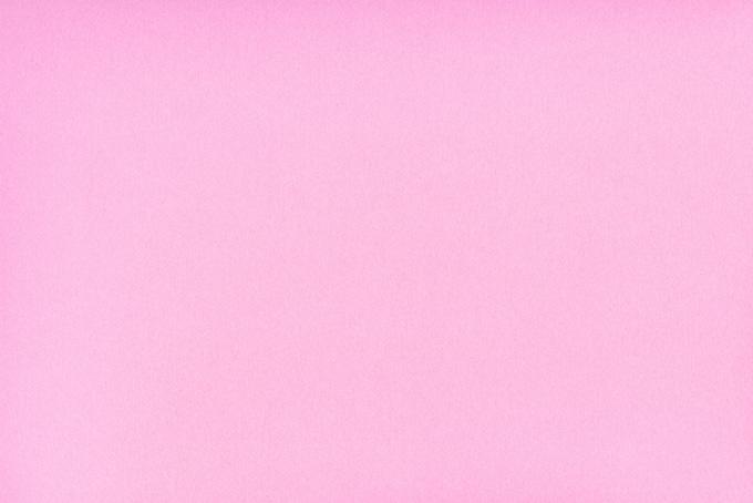 明るいピンク色の折り紙