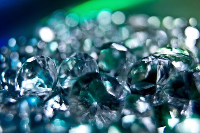 緑の宝石のようなキラキラ